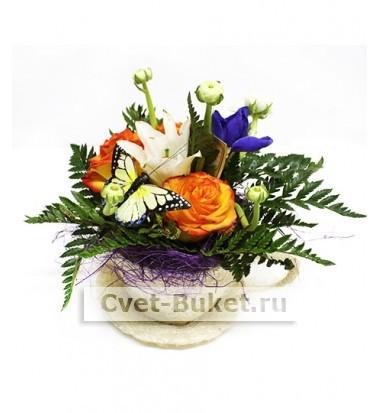 Композиции из цветов - Чашка с цветами